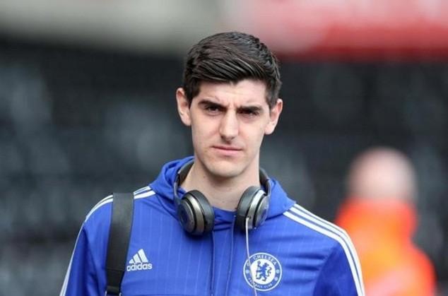 Courtois cam kết gắn bó tương lai với Chelsea