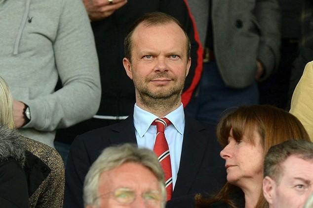 Woodward muốn Mourinho chờ thêm 1 năm