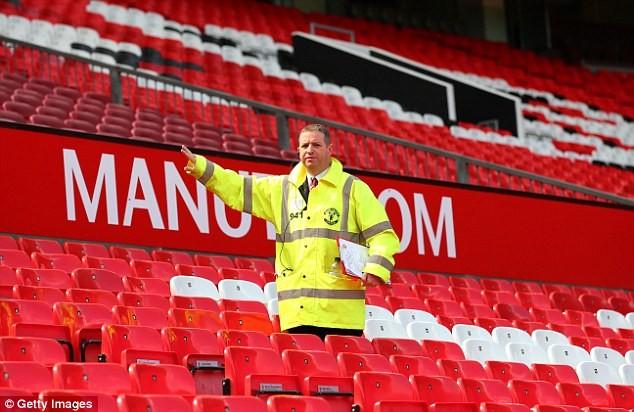 Báo động Old Trafford bị cài bom, hủy trận M.U - Bournemouth