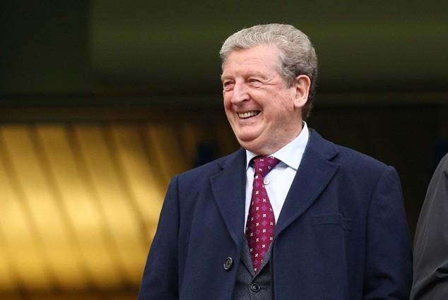 Hodgson gây nhiều tranh cãi khi công bố danh sách sơ bộ đội tuyển Anh