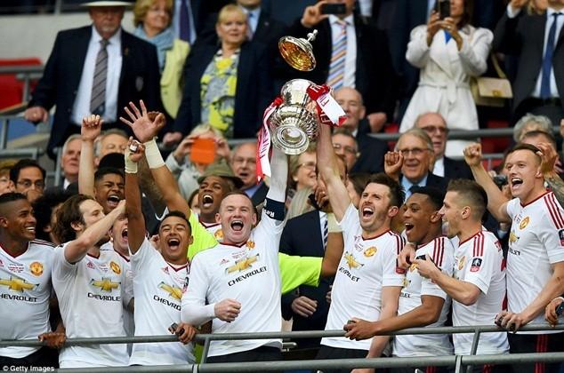 M.U giành chức vô địch đầu tiên thời hậu Sir Alex Ferguson