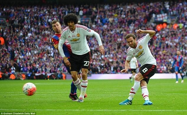 Mata ghi bàn mở đầu cho màn lội ngược dòng của M.U