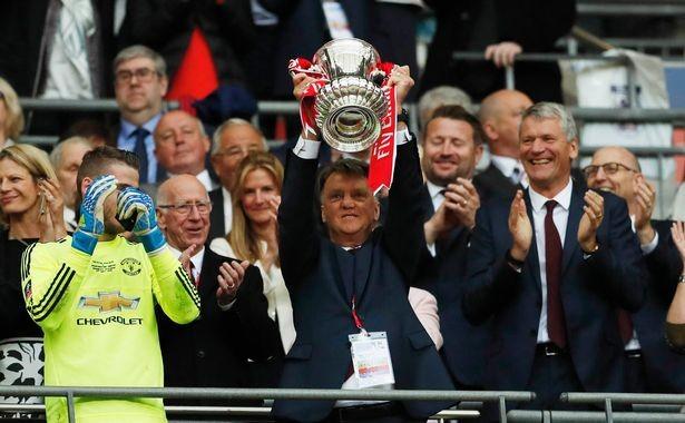 FA Cup là chức vô địch đầu tiên của M.U từ lúc Sir Alex Ferguson giải nghệ