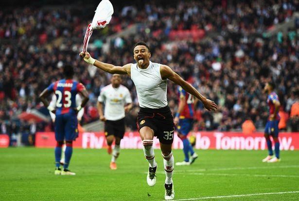 Lingard ghi bàn thắng quyết định giúp M.U vô địch FA Cup