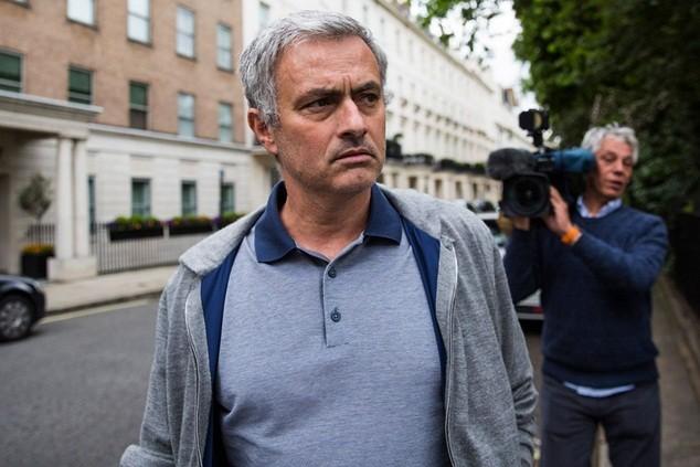 Mourinho được kỳ vọng sẽ là người tiếp quản băng ghế huấn luyện của Van Gaal
