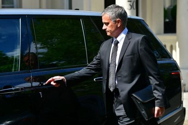 Mourinho đã xuất hiện ở Manchester chuẩn bị cho lễ ra mắt