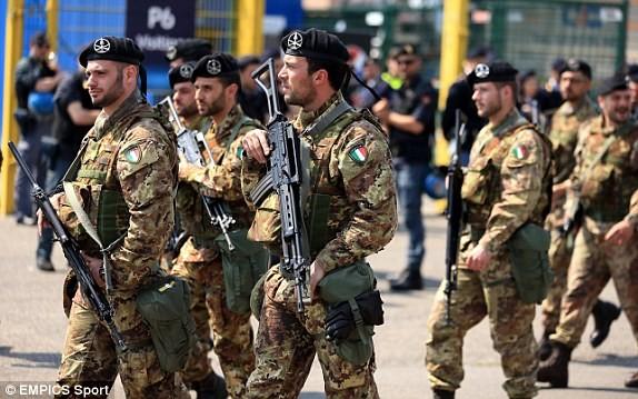 Cảnh sát vũ trang tận răng tham gia bảo đảm an ninh cho chung kết Champions League