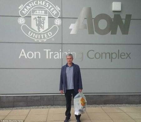 Đây là lần đầu tiên Mourinho viếng thăm khu tập tập luyện Carrington