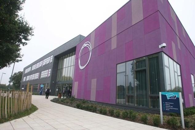 Trường Oasis Academy Lord's Hill cho phép học sinh nghỉ sớm để xem EURO 2016