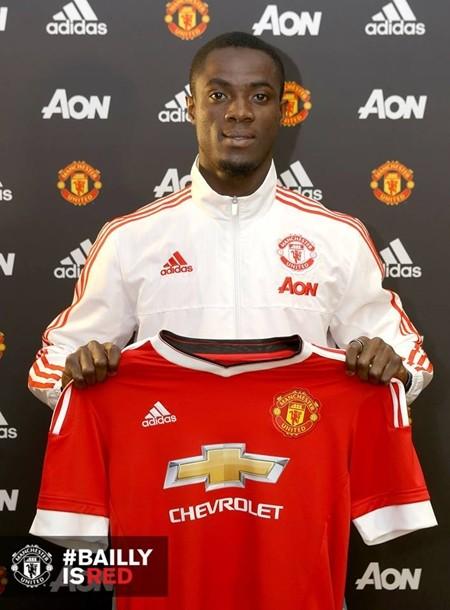 Bailly trở thành chữ ký đầu tiên của Mourinho tại M.U