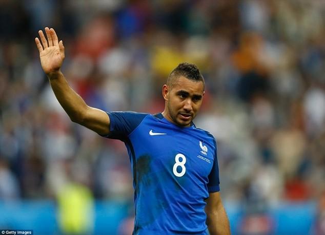 Payet chơi nổi bật nhất trong số các ngôi sao của Pháp ở trận mở màn EURO 2016