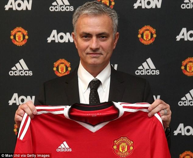 Mourinho đảm nhận sứ mệnh tái thiết M.U