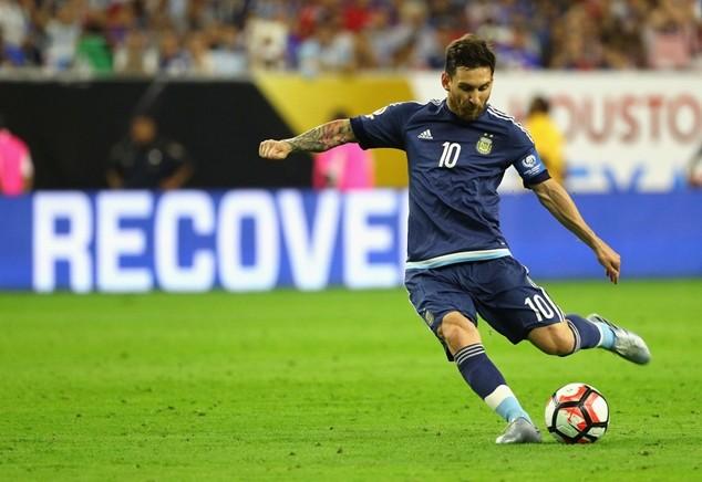 Messi thi đấu chói sáng tại Copa America 2016