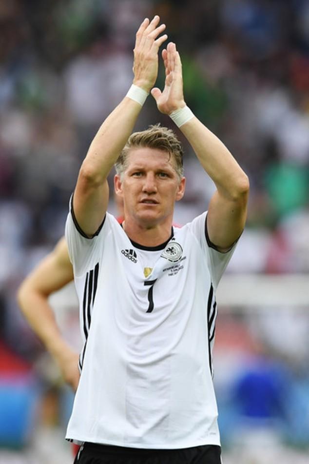 Schweinsteiger thay thế Sami Khedira vào phút 69 của trận đấu