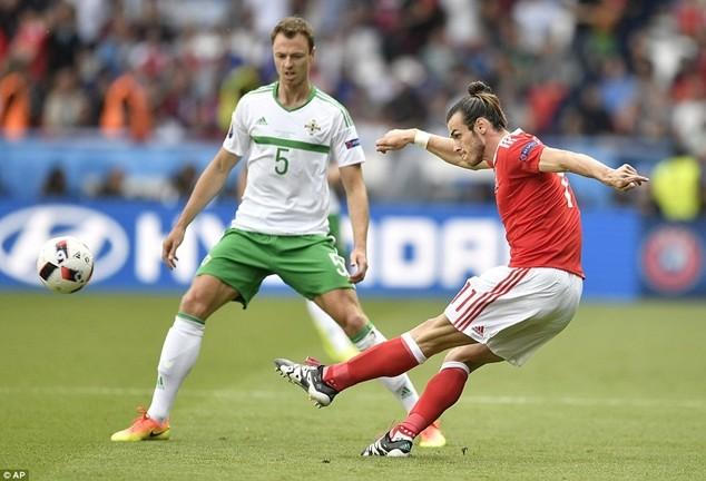 Bale đặt dấu ấn giúp xứ Wales thẳng tiến ảnh 2