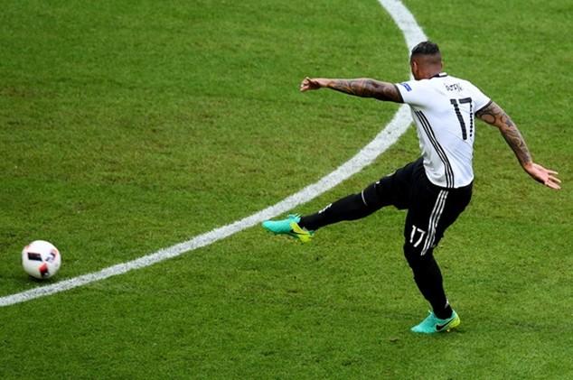 Boateng ghi bàn thắng tỷ số cho Đức từ cú sút xa đẹp mắt
