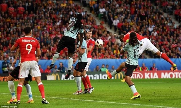 Wales là một tập thể và được đánh giá cao ở những pha bóng tốc độ, tạt cánh đánh đầu