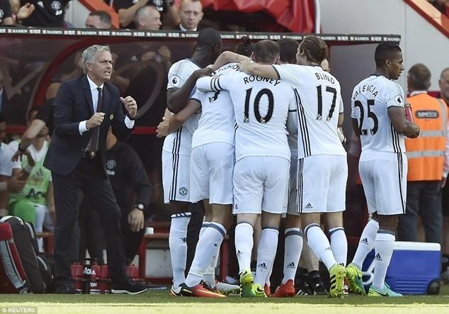 Mourinho có màn khởi đầu hoàn hảo với M.U