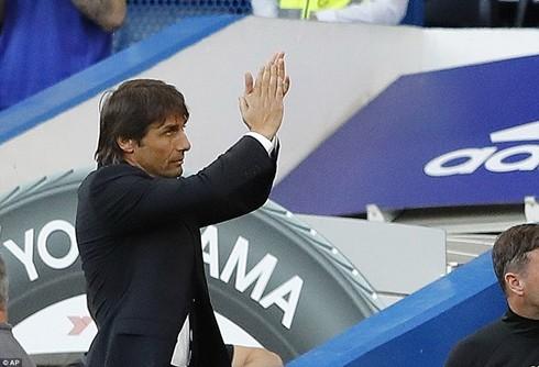 Conte vật lộn trong việc giúp Chelsea bổ sung lực lượng