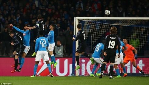 Ramos đánh đầu ghi bàn quân bình tỷ số 1-1 cho Real Madrid