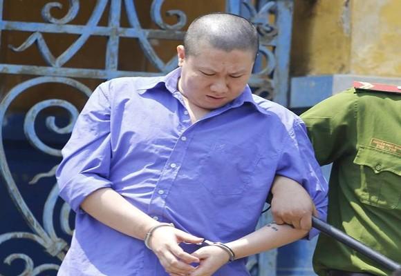 Tử tù Lục Gia Khánh lĩnh thêm 15 năm tù
