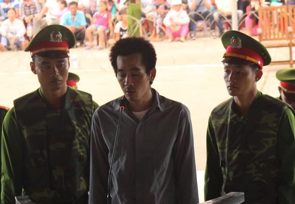 Bị cáo Đỗ Thanh Sơn tại phiên xử lưu động