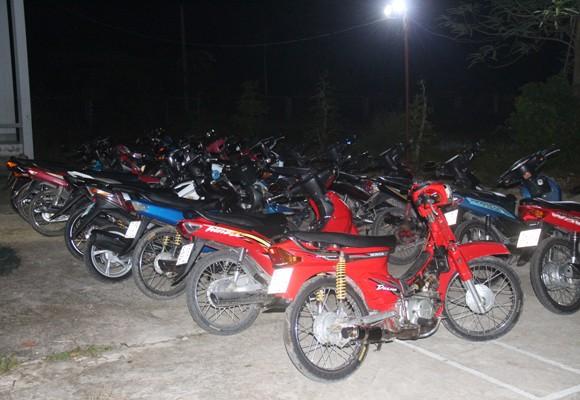 Hàng loạt xe mô tô của các đối tượng bị tạm giữ