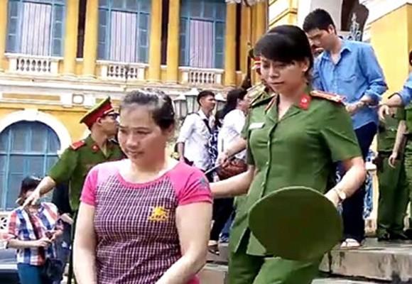 Bị cáo Văn Thị Mỹ Thuận sau phiên xử