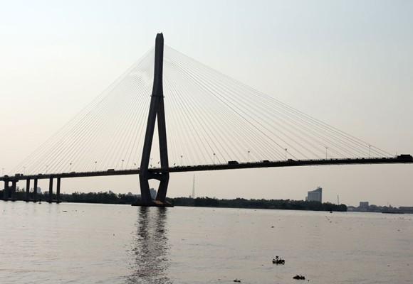 Cầu Cần Thơ nơi nam thanh niên nhảy sông tự tử sau khi sát hại bạn gái