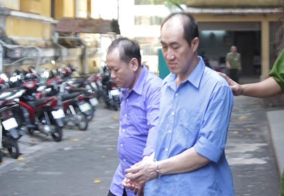 Các bị cáo Nguyễn Tấn Huy và Huỳnh Thanh Vũ