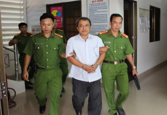 Công an thực hiện lệnh bắt ông Lê Văn Hồng Anh