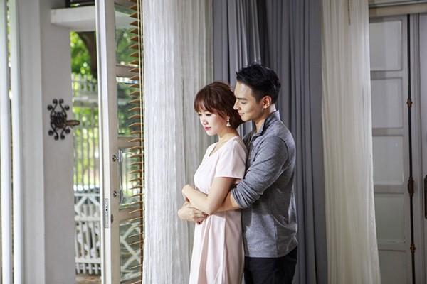 """Đóng cặp cùng Hari Won trong MV """"Làm sao để yêu"""" là Jay Quân – bạn trai Chúng Huyền Thanh"""