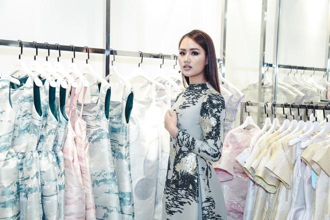 Dàn sao Việt xúng xính trảy hội cùng thời trang Phương My