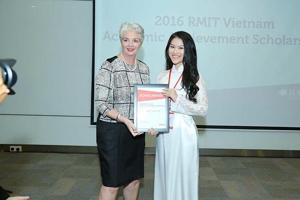 Ngọc Thanh Tâm - nữ nghệ sỹ chăm học nhất showbiz