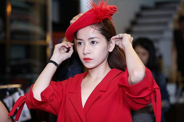 Chi Pu đổi style cá tính với trang phục của NTK Xuân Lê ảnh 7