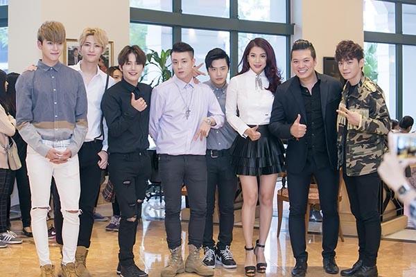 """Trương Ngọc Ánh cùng nhóm nhạc Hàn Quốc Offroad tái hiện cảnh trong phim """"Truy sát"""" ảnh 4"""