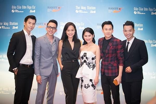 Sao Việt tấp nập chúc mừng Hồng Ánh, Ngọc Thanh Tâm