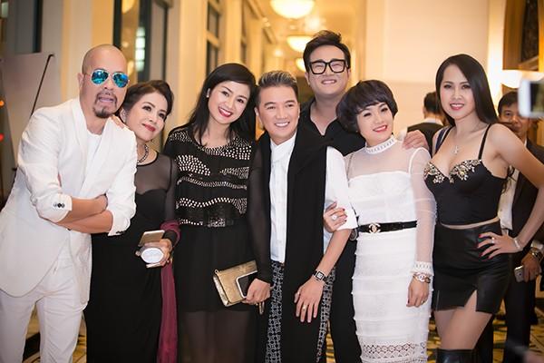Sao Việt tấp nập chúc mừng Hồng Ánh, Ngọc Thanh Tâm ảnh 11