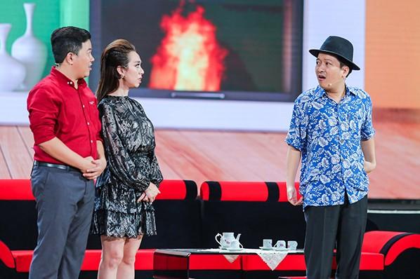 """Nhã Phương bất ngờ xuất hiện và hát cùng Trường Giang trong liveshow """"Chàng hề xứ Quảng 2 – Về quê"""" ảnh 8"""