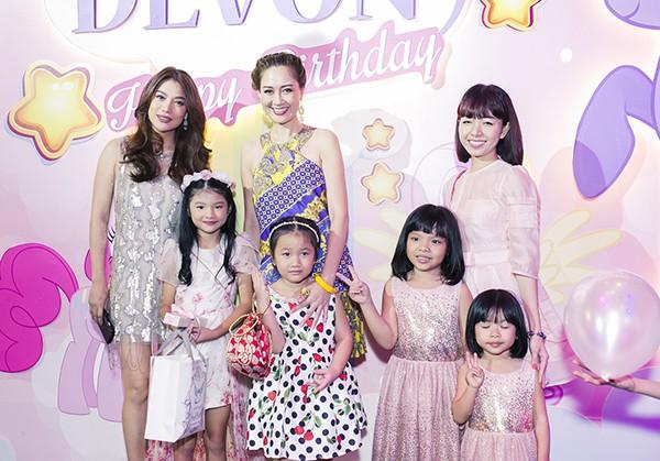 Trương Ngọc Ánh - Trần Bảo Sơn cùng tổ chức sinh nhật cho con gái ảnh 10