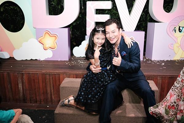 Trương Ngọc Ánh - Trần Bảo Sơn cùng tổ chức sinh nhật cho con gái ảnh 7