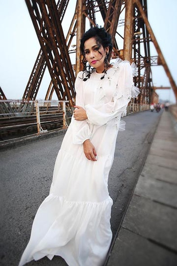 """Diva Thanh Lam lần đầu ngồi """"ghế nóng"""" cùng Thu Minh"""