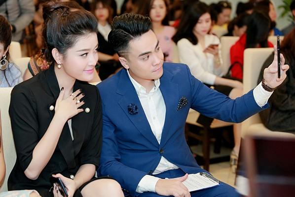 Á hậu Huyền My - MC Thái Dũng thân thiết tại sự kiện ảnh 5