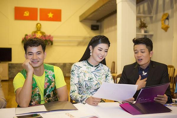 Ngọc Hân ngồi ghế nóng cùng Chi Bảo, Xuân Bắc
