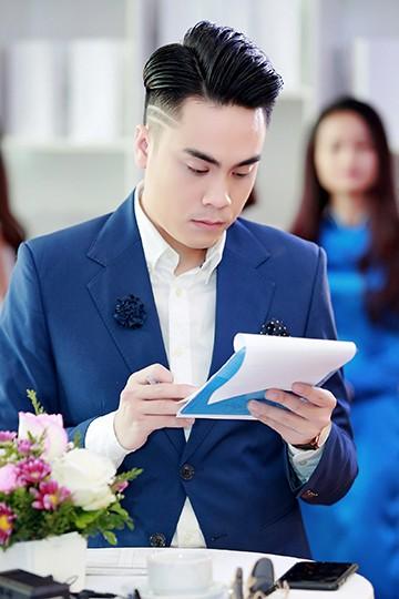 Á hậu Huyền My - MC Thái Dũng thân thiết tại sự kiện ảnh 4
