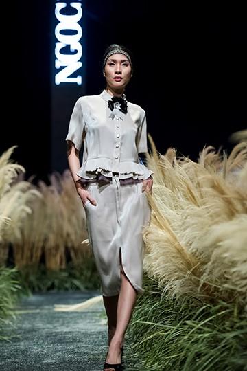 Hoa hậu Ngọc Hân gây ấn tượng với bộ sưu tập thời trang thu đông