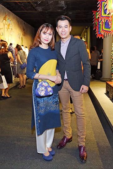 Hoa hậu Hương Giang nổi bật tại triển lãm áo dài ảnh 8
