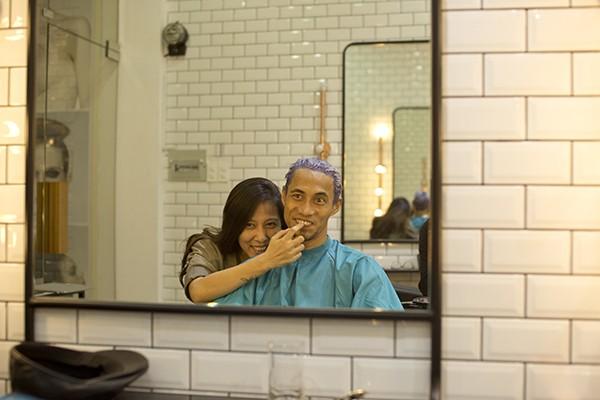Phạm Anh Khoa ngọt ngào hôn vợ mỗi ngày