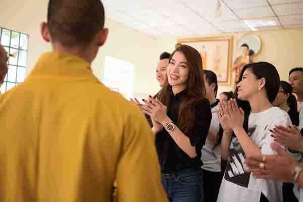 Trương Ngọc Ánh giản dị đi xây cầu cho xóm nghèo Tiền Giang ảnh 5