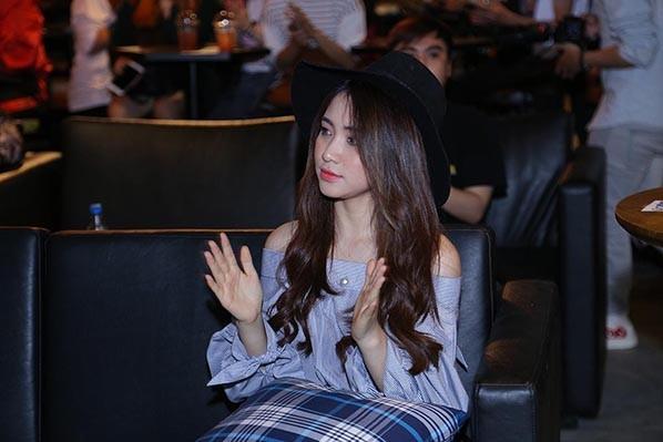 Hòa Minzy, Rocker Nguyễn sánh đôi đến mừng Phạm Anh Duy ảnh 8